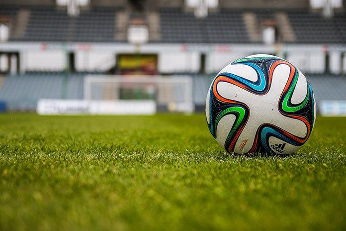 Pakiet sportowy dla fanów piłki nożnej - gdzie szukać?
